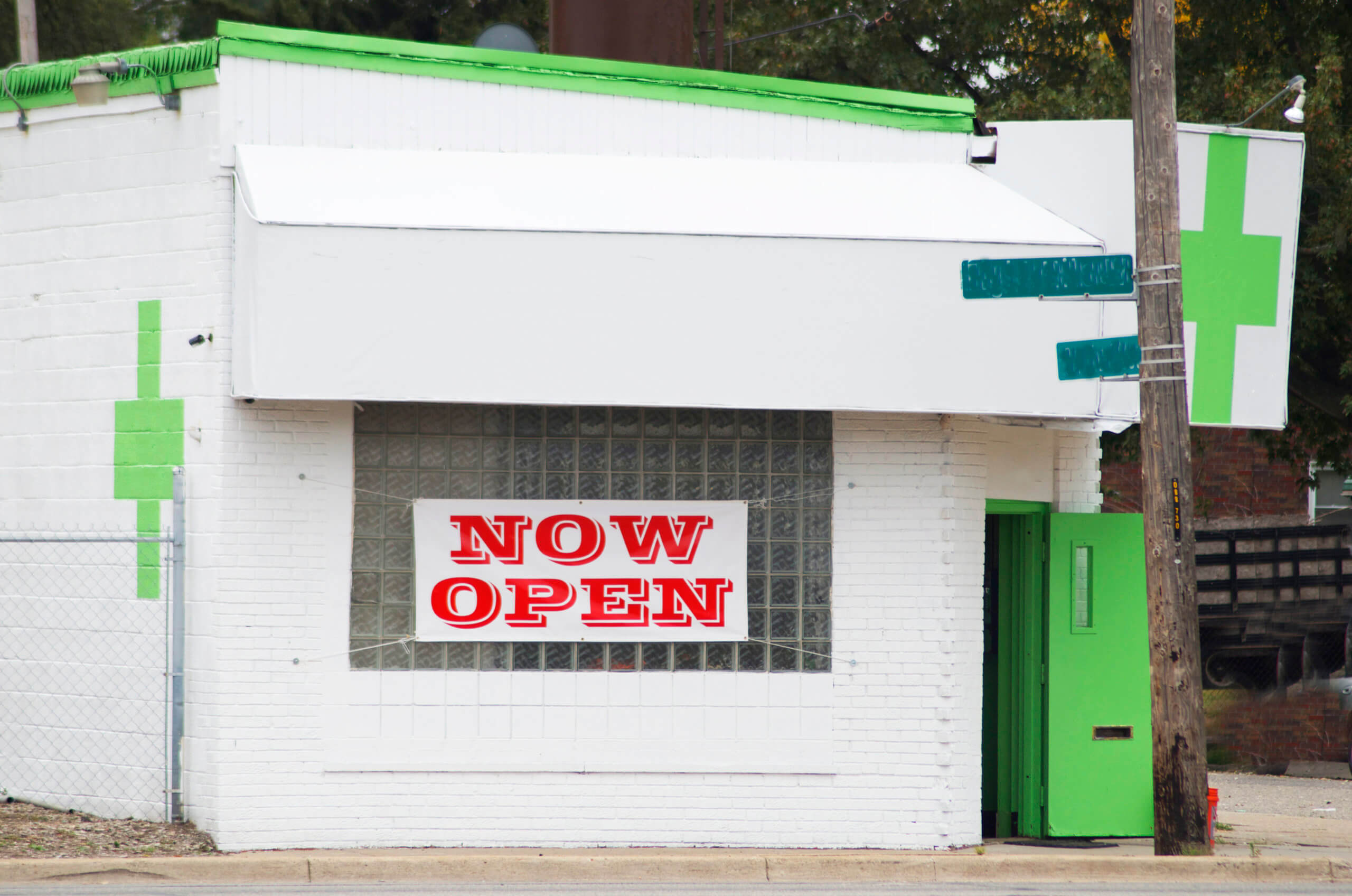 Illegal pot shops disrupt California's budding legal market
